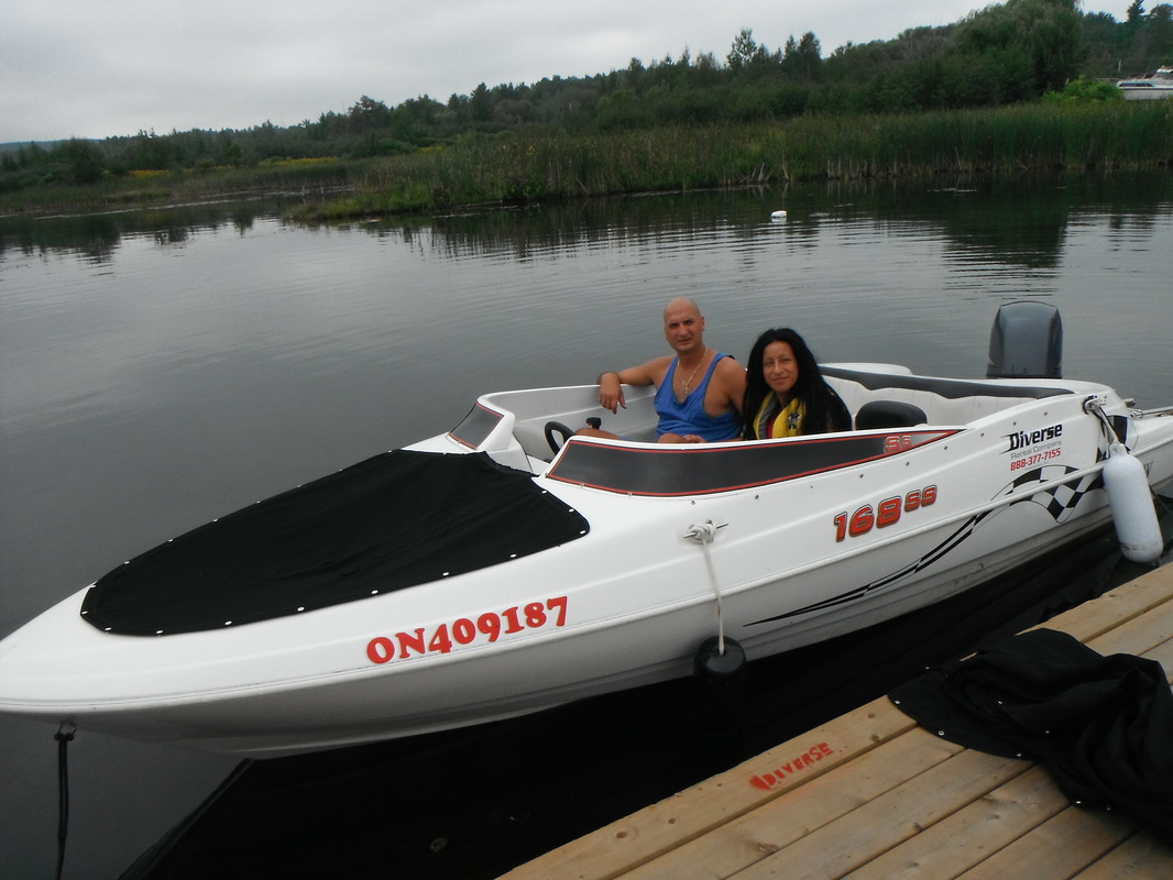 Couples Bowrider Boat Rental